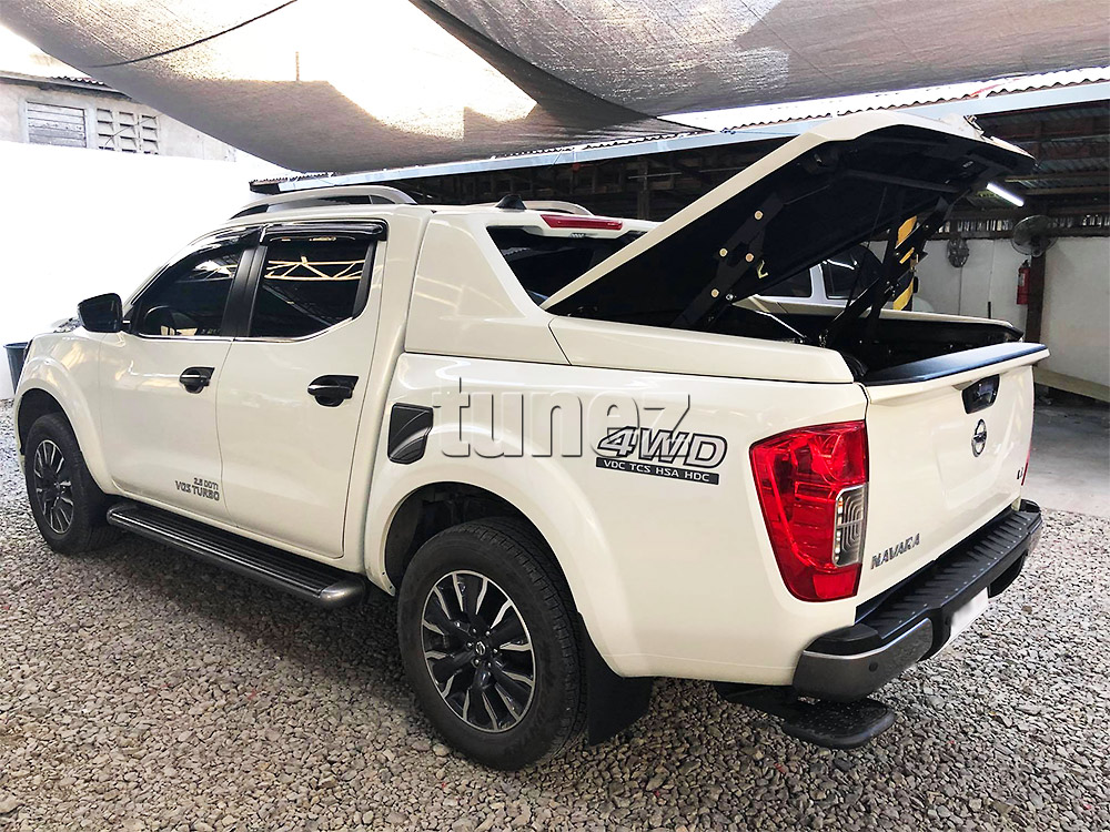 NVM08 Nissan Navara NP300 NP 300 D23 Series Year 2015 2016 2017 2018 2019 2020 DX RX ST ST-X SL Visia Acenta Acenta+ N-Connecta Tekna Matte Matt Black Petrol Oil Gas Fuel Tank Door Cover ABS Plastic Frame Mask 3M For Car Truck Aftermarket Australia UK European USA tunez