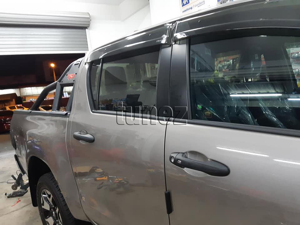 Matt Black Keyless Smart Key Door Handle Cover For Toyota Hilux 2016 2017